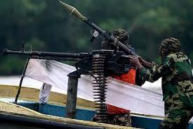 photo illustrant un acte de piraterie montrant des pirates Nigérians