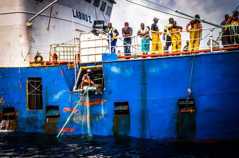 F/V Labiko 2 actively fishing with illegal gear in Liberian waters. Photo Melissa Romao/Sea Shepherd.