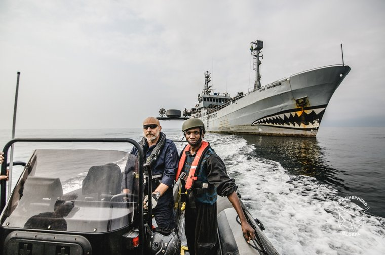 Admiral Giuseppe de Girorgi, former Italian Chief of Navy, assisting Sea Shepherd on Operation Albacore II. Photo Michael Rauch/Sea Shepherd.