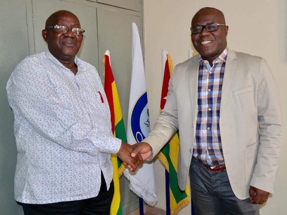 Photo - Dr. Mohammed Seisay, Fonctionnaire Principal des Pêches à l'UA-BIRA (à gauche) & M. Séraphin Dédi, Secrétaire Général du CPCO (à droite)