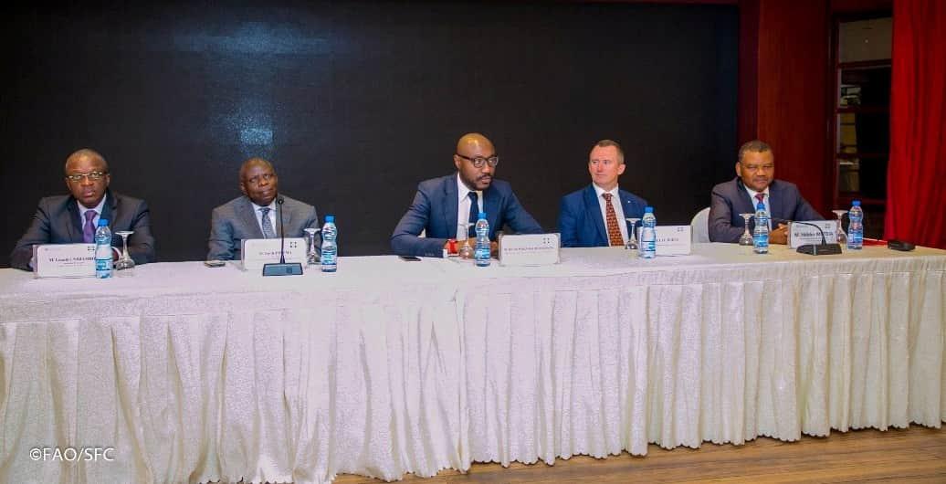 Accord de soutien des futurs plans de gestion durable des pêcheries démersales du Gabon.