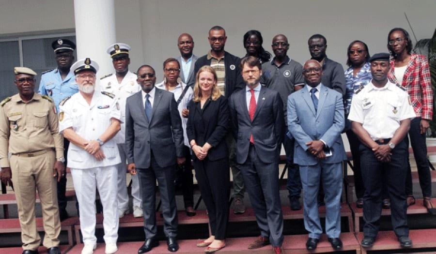Côte d'Ivoire - Photo de groupe - Action de l'Etat en mer