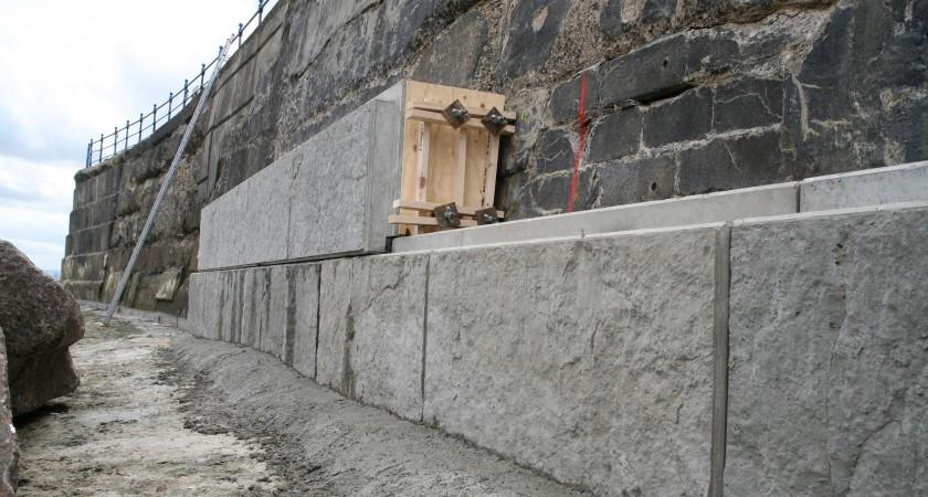 Ghana - Sea defense wall