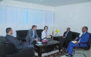Vue d'ensemble - Le ministre Mauritanien des Pêches reçoit le coordinateur régional de la FAO pour l'Afrique du Nord