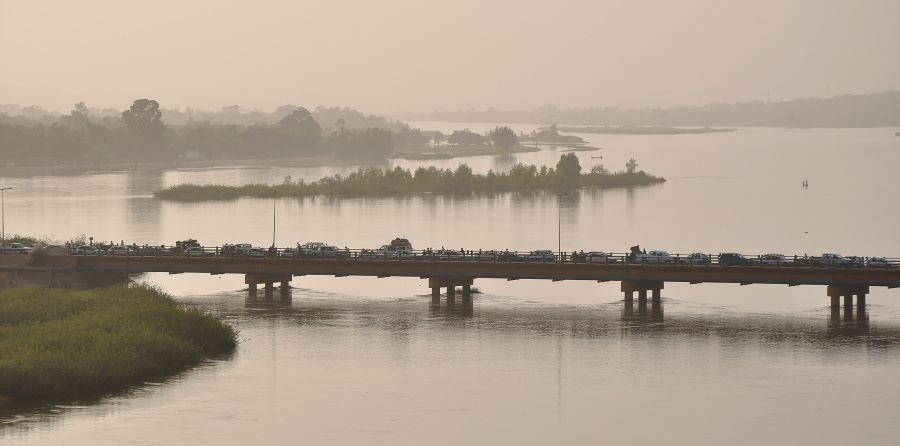 Pont Kennedy (Kennedy Bridge) over the Niger River, in Niamey, Niger.